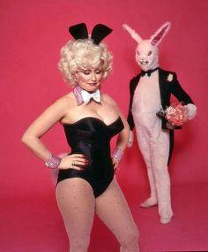 Dolly Parton and a rabbit~♛
