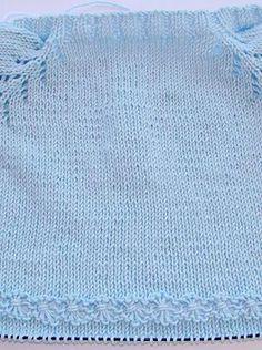 puntomoderno.com jersey de bebé con flores Crochet, Sweaters, Baby, Fashion, Crochet Baby, Knitting Needles, Sew, Baby Vest, Wool