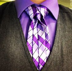 Learn how to tie the ediety / Merovingian knot for your tie!
