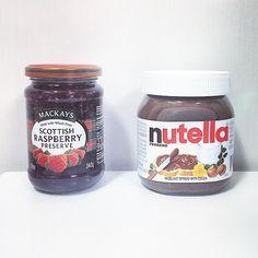 누텔라를 위협하는 맛. #맥케이스#스코티쉬라즈베리잼#꿀잼#라즈베리#잼스타그램#누텔라#셀스타그램#집스타그램#먹스타그램#nutella#spread#cocoa#selfie#home#mackays#scottish#rasberry#preserve#instasize
