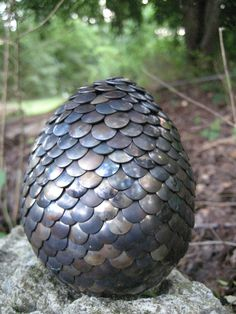 Dragon egg with heated tacks (instead of painted)