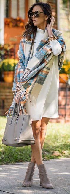 Cute way to wear a plaid scarf.