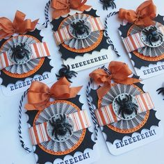 Halloween Treat Boxes, Halloween Tags, Halloween Party Favors, Halloween Banner, Fall Halloween, Halloween Decorations, Halloween Ideas, Halloween Gift Bags, Halloween Baskets