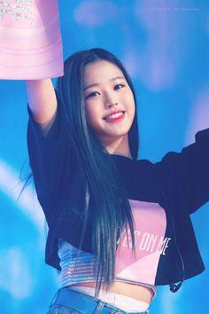 Korean Beauty Girls, Yu Jin, Woo Young, Uzzlang Girl, Japanese Girl Group, Young Ones, K Idols, Korean Girl Groups, Beleza