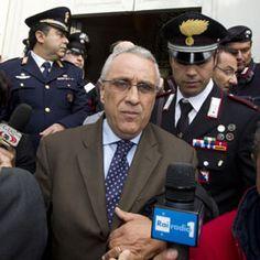 """Rignano Flaminio, assolti i cinque imputati: erano accusati di violenza sessuale. Urla contro i giudici: """"No comment"""""""