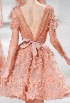 "the-moth-princess: "" Elie Saab, Spring 2011 "" Couture Details, Fashion Details, Couture Fashion, Runway Fashion, Latest Fashion, Fashion Trends, Elie Saab Spring, Inspiration Mode, Pretty Dresses"