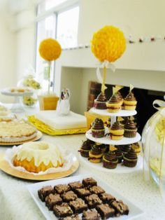 Ideal Patisserie: Candy Bars glittery wedding