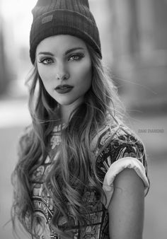 Black and white photography eyes portraits 36 Super ideas Black And White Portraits, Black And White Photography, Girl Face, Woman Face, Photography Women, Portrait Photography, Photographie Portrait Inspiration, Too Faced, Interesting Faces
