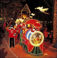 An Old Time Christmas Festival at Silver Dollar City in Branson Mo! Tickets Call 417-337-8427 http://bransonconnection.com/branson-mo/news/AnOldTimeChristmasFestivalinBranson_2349.html Branson 2014 Christmas Events and Shows! http://BransonChristmasShows.com