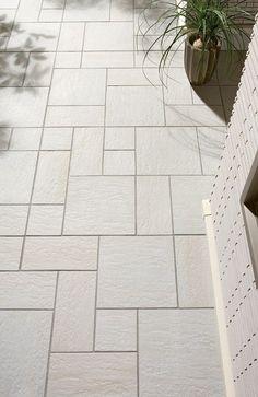 玄関タイル Patio Tiles, Wood Interiors, Entrance Hall, Tile Floor, Home And Garden, Flooring, House, Outdoor, Design