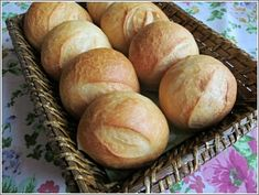 Tejszínes zsemle Bread Rolls, Bread Recipes, Breads, Food, Kitchen, Cooking, Rolls, Buns, Cucina