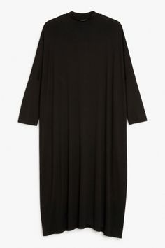 Monki Image 2 of Oversize dress in Black