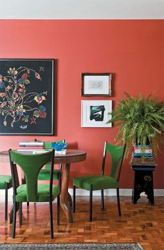 New Living Room Red Decor Green Ideas Black And Red Living Room, Coral Living Rooms, Living Room Red, Living Room Decor, Dining Room, World Of Interiors, Coral Home Decor, Coral Color Decor, Coral Paint Colors