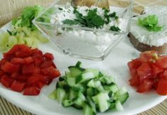 Joghurtos-juhtúrós karfiolkrém   NOSALTY Pesto, Love Food, Dips, Cheese, Dinner, Breakfast, Healthy, Dressings, Sauces