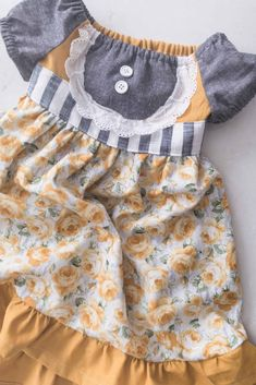 Toddler Dress Pattern - Easy Free Pattern with Video! - Farmhouse on Boone Toddler Dress Patterns, Sewing Patterns For Kids, Toddler Girl Dresses, Baby Dresses, Dress Girl, Toddler Girls, Baby Girls, Sewing Ideas, Knitting Patterns