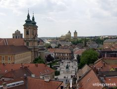 Historic Downtown in Eger, Hungary Hungary, Poland, Paris Skyline, Explore, Mansions, Country, House Styles, Building, Travel