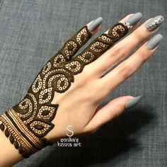 Basic Mehndi Designs, Henna Tattoo Designs Simple, Simple Hand Tattoos, Indian Henna Designs, Finger Henna Designs, Legs Mehndi Design, Mehndi Designs For Girls, Mehndi Designs For Fingers, Wedding Mehndi Designs