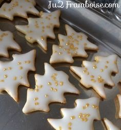 DIY Christmas gift idea: small boxes of homemade shortbread - noel Best Chocolate Chip Cookies Recipe, Keto Peanut Butter Cookies, Sugar Cookie Recipe Easy, Cake Mix Cookie Recipes, Oatmeal Cookie Recipes, Peanut Butter Cookie Recipe, Oreo Cheesecake, Homemade Shortbread, Homemade Biscuits