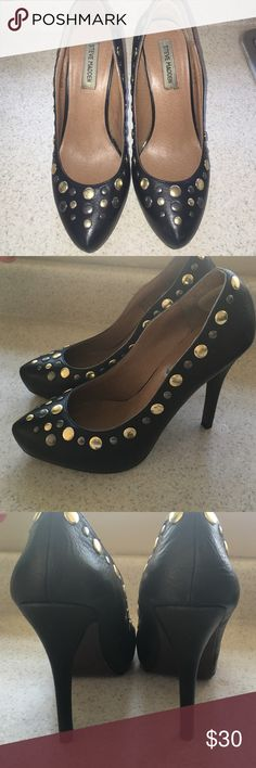Studded pumps Steve Madden genuine leather pumps with gold and metal detailing. Wore these 2 times and they are in great condition except obvious wear on bottom! Steve Madden Shoes Heels