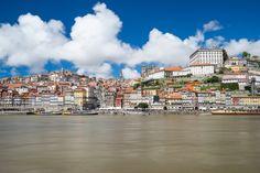 Hilfreiche Tipps für deine Städtereise nach Porto. Wo gibt es günstige Flüge? Wo übernachtest du am besten? Was musst du unbedingt sehen?