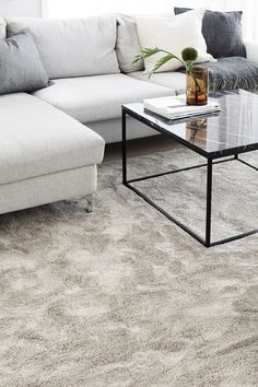 Silkkitie-matto, beige Carpet, Beige, Table, Furniture, Home Decor, Decoration Home, Room Decor, Tables, Home Furnishings
