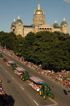 (Des Moines) Iowa State Fair parade
