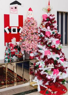Create your own candy cane forest this year by decorating the cutest candy cane Christmas tree ever with Jennifer Perkins #jenniferperkins #christmastreeideas #christmasdecor #kitschmas #colorfulchristmas #candycanechristmastree #christmastree #christmastreedecorating #treetopia