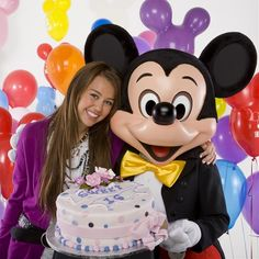 Así eran y así son: descuidos de famosos ex-niños Disney. Miley Circus.  Conoce más casos aquí