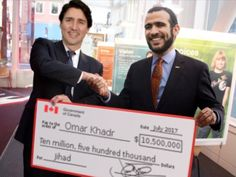 Disgusting display of a traitor betraying his country in favour of a confirmed terrorist! Words For Stupid, Trudeau Canada, Rules For Radicals, The Twits, Socialist State, Political Memes, Justin Trudeau, Conservative Politics, Humor