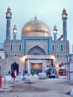 shrine of lal shahbaz qalandar pakistan