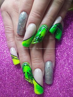 Magpie neon pigments with freehand nail art