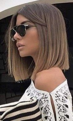 Long Wavy Ash-Brown Balayage - 20 Light Brown Hair Color Ideas for Your New Look - The Trending Hairstyle Medium Short Hair, Short Straight Hair, Short Hair Cuts, Medium Straight Haircut, Dip Dye Hair, Dyed Hair, Summer Hairstyles, Straight Hairstyles, Prom Hairstyles