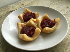 Baked Mozzarella and Cranberry Bites