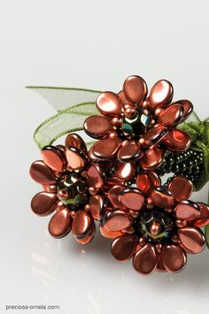 Kerrie Slade: The Pip™ Collection! Beaded Jewelry Patterns, Beading Patterns, Rose Petal Beads, Twin Beads, Seed Bead Jewelry, Beads And Wire, How To Make Beads, Czech Glass Beads, Beaded Flowers