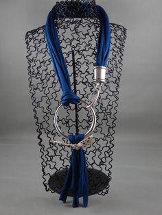 Collier en coton zpagetti bleu avec grosse boucle originale