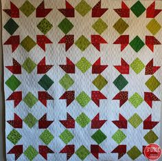 Sparkle quilt by Natalia Bonner. 2014 Christmas sew-along at Piece n' Quilt