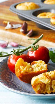 Valkosipulivoi-muffinit | Maku 3/2015