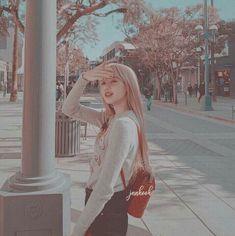 Kpop Aesthetic, Aesthetic Photo, Pink Aesthetic, Aesthetic Pictures, Lisa Blackpink Wallpaper, Pretty Korean Girls, Lisa Angel, Black Aesthetic Wallpaper, Blackpink Fashion