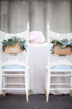 Gorgeous wholesale flowers for your wedding chair decor! DIY Wedding Flower Projects Buy bulk wholesale flowers online www.bulkwholesaleflowers.com #weddingchairs #weddingdecor #diywedding