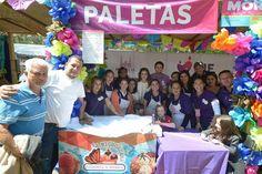 El alcaldeAlfonso Martínez Alcázar, convivió con las personas presentes en el evento; tomando su tiempo para felicitar al personal del Sistema DIF Morelia, a quienes reconoció por los productos ofrecidos ...