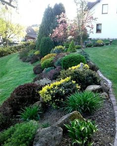 49 Beautiful Front Yard and Backyard Landscaping Ideas for Your Home - All For Garden Landscaping On A Hill, Landscaping With Rocks, Outdoor Landscaping, Landscaping Ideas, Mailbox Landscaping, Backyard Ideas, Privacy Landscaping, Patio Ideas, Steep Hillside Landscaping
