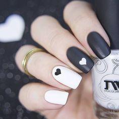 35 Irresistible black and white matching nail styling awesome black and white mash-up nail styling Best Acrylic Nails, Acrylic Nail Designs, Nail Art Designs, Nails Design, Black And White Nail Art, Black Nails, Matte Black, Fancy Nails, Pretty Nails