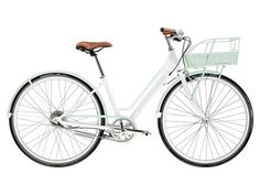 love the style of this bicycle basket