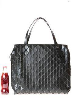 BAO BAO Issey Miyake   shopper shoulder square bag made of small and matt  triangular ROW cbe3ddf7e2