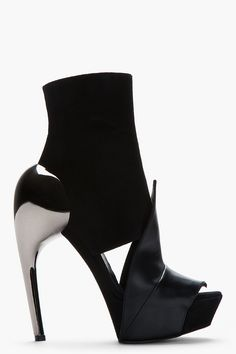 GARETH PUGH Black suede and leather accent Heel boots