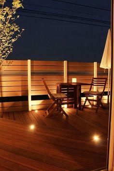 高級感漂うプライベート空間。光と影のコントラストが素敵なデッキガーデン。 #lightingmeister #pinterest #gardenlighting #outdoorlighting #exterior #garden #light #house #home #wooddeck #deck #deckgarden #highclass #cafe #private #stylish #contrast #ウッドデッキ #デッキ #デッキガーデン #高級 #カフェ #プライベート #おしゃれ #家 #庭 #光 #照明 #影 #陰 #コントラスト Instagram https://instagram.com/lightingmeister/ Facebook https://www.facebook.com/LightingMeister