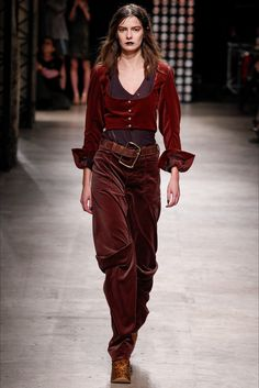 Sfilata Andreas Kronthaler for Vivienne Westwood Parigi - Collezioni Autunno Inverno 2016-17 - Vogue