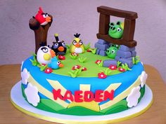 SweetObsessions' Angry Birds cake