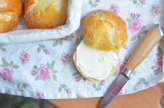 Rezept zum Brot und Brötchen selbst machen  http://www.bonnyundkleid.com/2014/01/rezept-brot-selbst-backen.html