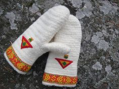 Warm and very soft Nålbindning mittens by ArcticLightCrafts on Etsy